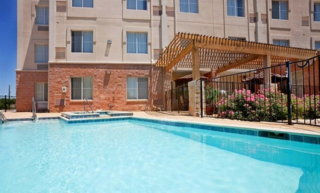 Stay at 2.5-Star Dallas Park Central Hotel, with dates into January 2019. photo