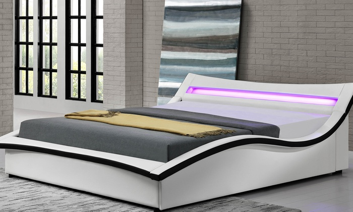 Opklapbed met led-verlichting | Groupon Goods