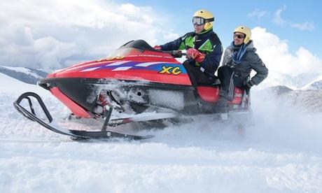 Excursión con moto de nieve, raqueta y trineo para 2, 4 o 6 en Noguera Aventura Salou (hasta 66% de descuento)