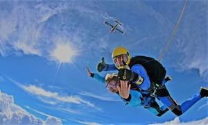 Skok ze spadochronem z 4 km