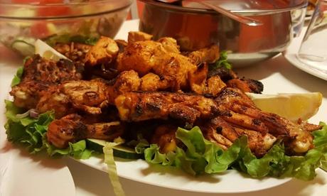 Menu indiano con dolce e bevanda per 2 o 4 persone al ristorante Punjabi Dhaba (sconto fino a 52%)