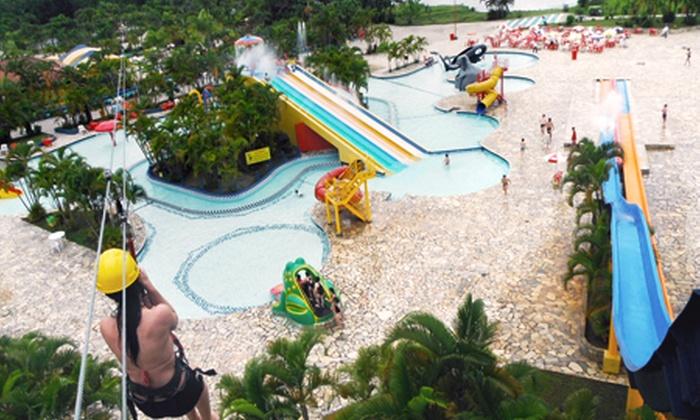 Parque Aguas Claras - Matinhos: Parque Águas Claras – Matinhos: passaporte para 2 ou 4 pessoas, a partir de R$ 72