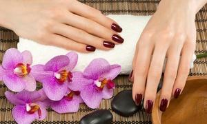 DESIGN HAIR: Beauté des mains avec pose d'ongles en gel option nail art personnalisé dès 19,99 € au salon Design Hair