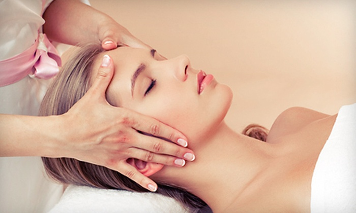 Hands Over Feet Reflexology - Saint Louis: $39 for a One-Hour Hands-and-Face Reflexology Session at Hands Over Feet Reflexology ($80 Value)