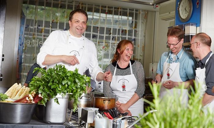 Kochschule Ruhrgebiet - Mülheim: 4 Std. Kochkurs mit der Kenwood-Küchenmaschine für 1, 2 oder 4 Personen in der Kochschule Ruhrgebiet (bis 50% sparen*)