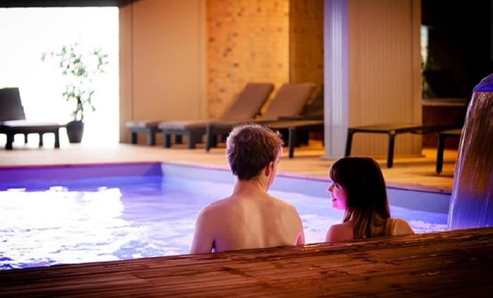 Entrée pour une journée au sauna et centre de bien-être avec verre de cava à partir de 19,99€ chez Saunate