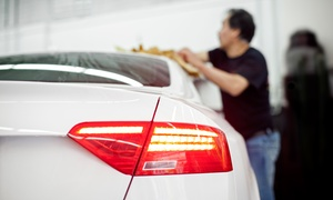 Valencia Car Wash: $22 for a Car Wash and 22-Point Oil Change Service at Valencia Car Wash ($64.68 Value)