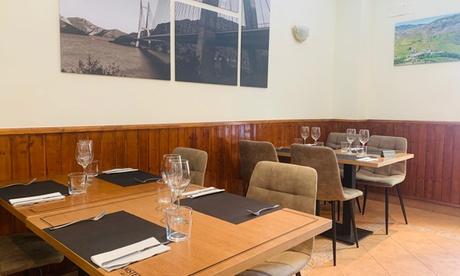 Menú leonés para 2 o 4 personas con entrante, principal, postre y bebida en Restaurante Leonesa