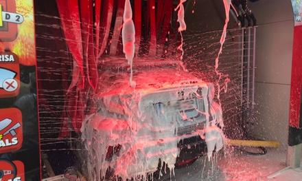 Lavado de vehículo con limpieza de tapicería y opción a desodorización desde 8,95 € en 4 centros Hanna