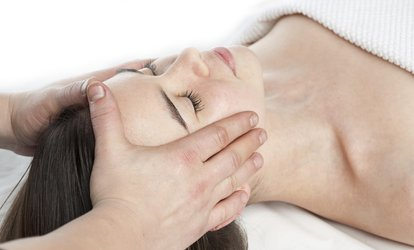 image for A 60-Minute Facial and Massage at Spa Mujer - Laura Torres Place (66% Off)