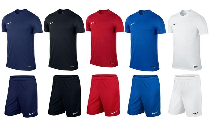 Set Nike shorts en T shirt