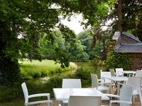 Dîner romantique avec fondue ou charbonade pour 2 personnes pour 54,99€ chez Het Koetshuys à Torhout.