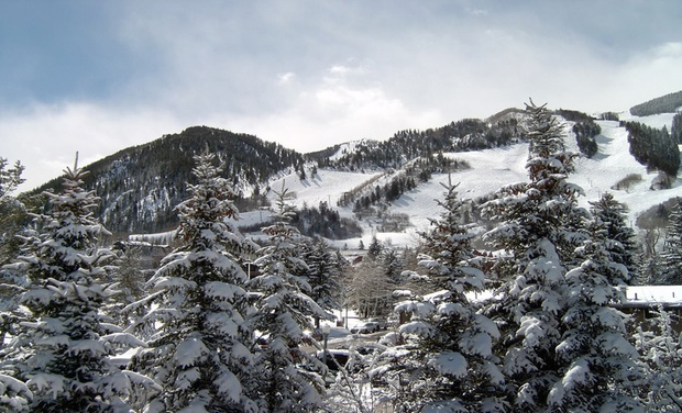 St Moritz Lodge & Condominiums - Aspen, CO: Stay at St. Moritz Lodge & Condominiums in Aspen, CO, with Dates into December