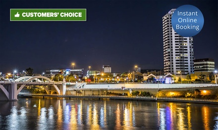 Brisbane, CBD: 1, 2 or 3 Nights for 2 People with Late Check-Out, Breakfast, Wi-Fi and Chocs at Park Regis North Quay