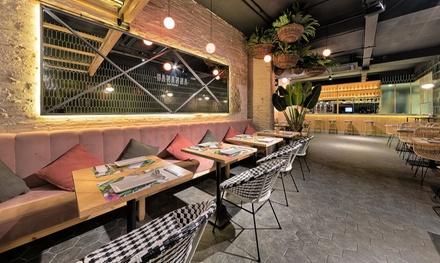 Menú para 2 o 4 personas con entrante, principal, bebida, postre o café desde 22,95 € en Bananna Food Concept