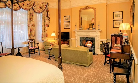 London: 5* Room or Suite Stay with Champagne