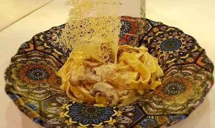 Menú italiano para 2 o 4 con entrante, principal, postre y vino en La Romañola Teatinos (hasta 48% de descuento)