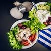 Menu tipico greco con Ouzo