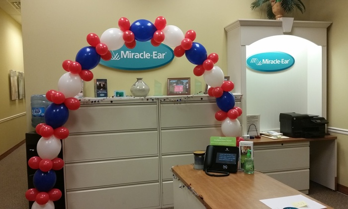 Inflated Balloons - Chicago: $45 for $90 Worth of Balloon Structure at Inflated Balloons