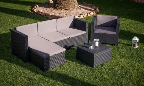 1 divano 3 posti, 1 poltrona singola, 1 puff e 1 tavolino basso