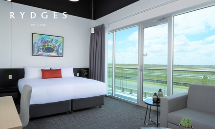 Tailem Bend: 1 Night for Two People with Wine, Late Check-Out and Optional Dining Credit at Rydges Pit Lane Hotel