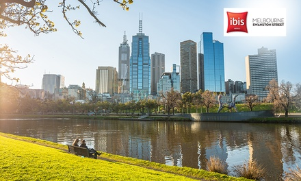 Melbourne: Two or ThreeNight Stay for Two People with Late CheckOut at Ibis Melbourne Swanston Street