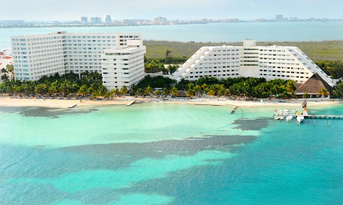 Grand Oasis Palm Resort - Cancún, Mexico: All-Inclusive Stay at Grand Oasis Palm Resort in Cancún, with Dates into December. Includes Taxes and Fees.