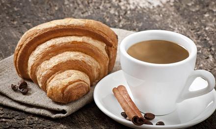 Petit déjeuner avec 2 boissons chaudes et 2 gâteaux ou pâtisseries au choix à la carte pour 2 à 9,90 € au Beccuti Bar