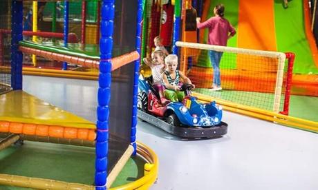 Tagesticket für 1 bis 2 Erwachsene und 1 bis 2 Kinder für den Indoorspielpark Maxiland