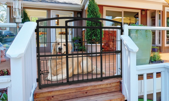 Carlson Weather Resistant Outdoor Expandable Pet Gate