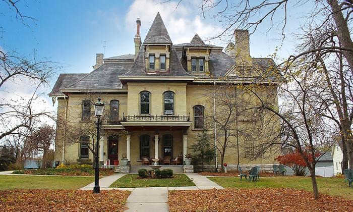 2-Night Stay at 19th-Century Wisconsin Inn