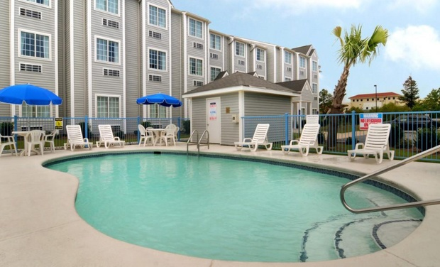 microtel inn suites by wyndham gulf shores groupon. Black Bedroom Furniture Sets. Home Design Ideas