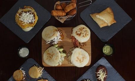 Menú con entrante, principal, postre y bebida para 2 o 4 personas desde 15,99 € en Arepas And Go