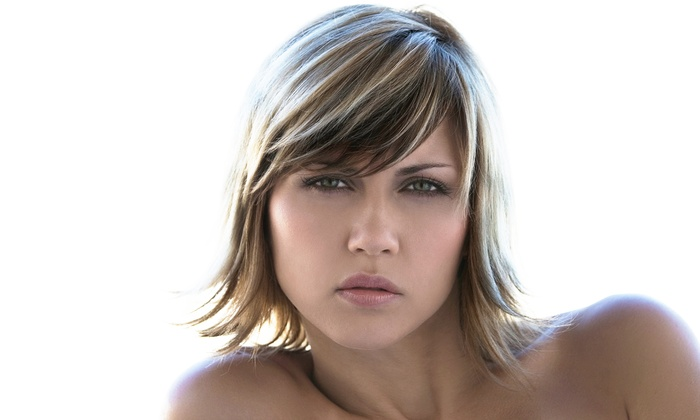 Studio 4 Salon - Griffith: Haircut and Conditioning with Optional Full or Partial Highlights at Studio 4 Salon (50% Off)