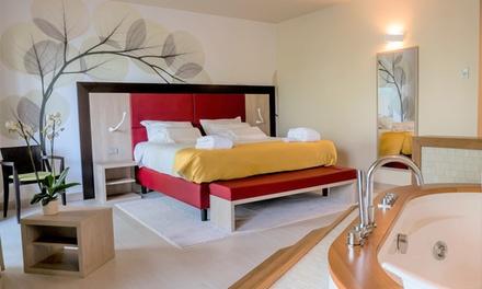 Lecco: 1 notte in camera Deluxe con Spa o Suite con idromassaggio a 74€euro