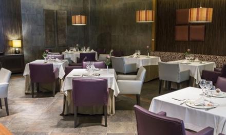 Menú para 2 o 4 con entrante, principal, postre y botella de vino o bebida desde 59,95 € en Restaurante Al Zagal Córdoba