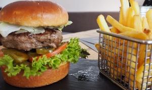 Hamburga: Saftiger Bio-Burger nach Wahl für 2 oder 4 Pers. mit Beilage und hausgemachtem Dip nach Wahl (bis zu 52% sparen*)