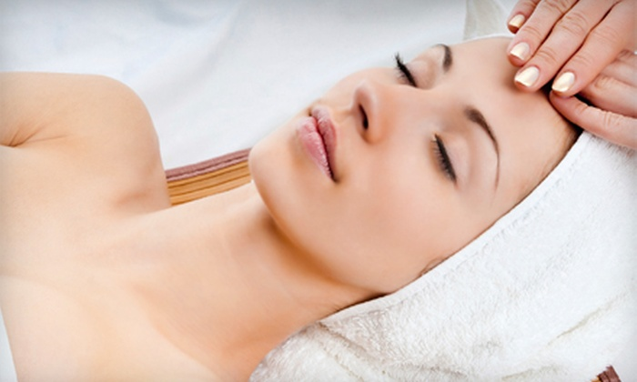 Relaxation Co. Skin Spa and Acne Clinic - Cental Napa: $79 for a 75-Minute Purifying or Ultrasonic Facial with a Peppermint Foot Feast at Relaxation Co. Day Spa ($130 Value)