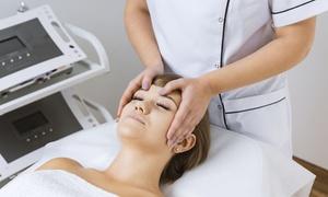 Academia Urody: Masaż pleców (29,99 zł) z masażem twarzy (52,99 zł) i więcej opcji w Academii Urody w Gdyni (do -53%)