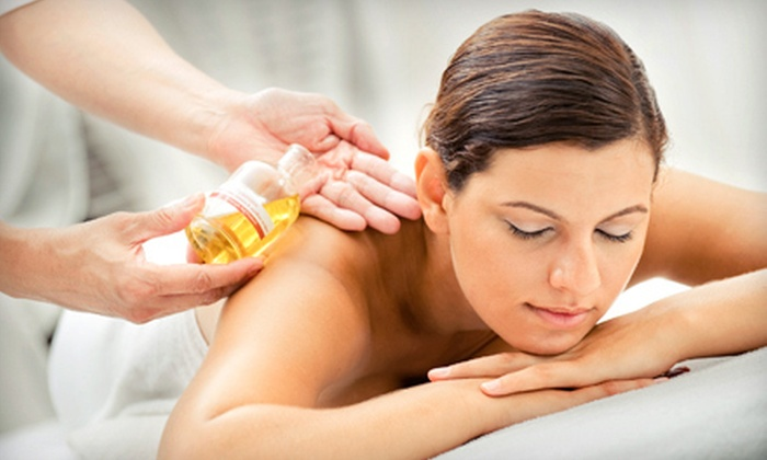Advanced Healthcare Associates - Multiple Locations: $36 for a One-Hour Therapeutic, Sports, or Clinical Massage at Advanced Healthcare Associates ($80 Value)