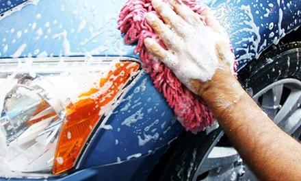 Lavado interior y/o exterior de un vehículo con opción a pulido de faros desde 12,95 € en Sabemos de Coches