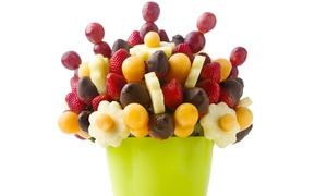 Decofruta: $13 for $30 Worth of Fruit Bouquets from Decofruta