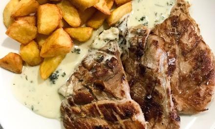 Menú para dos personas con entrantes, principal, postre y bebida por 24,95 € en Restaurante Casa Soto