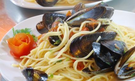 Pesce e vino sulla costa siciliana