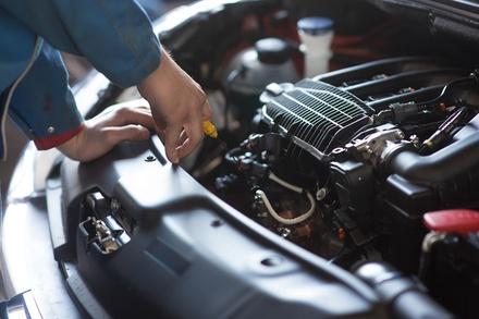 Vidange auto, huile 5W30, 5W40 ou 10W40 avec filtre à huile et points de contrôle dès 39,90 € au garage Deluxe Auto 69