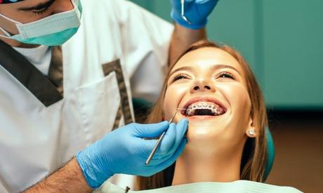 Ortodoncia en dos arcadas con brackets a elegir y 6 meses de revisión desde 229 € en Ortodoncia Gran Vía 51