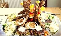 3-Gänge-Menü mit Balkan-Grillplatte für 2 oder 4 Personen im Moustache Restaurant (41% sparen*)
