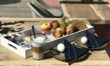 Luxe ontbijt of brunch voor 2, 4 of 6 personen aan de kust bij Beachclub at Sea in Den Haag