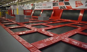 JumpWorld Park Trampolin : Park trampolin: godzina zabawy dla 2 osób od 32 zł w JumpWorld Parku Trampolin Radom (do -45%)