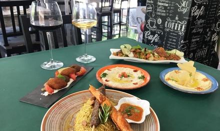 Menú árabe para 2 o 4 personas con surtido de entrantes, principal, postre y bebida desde 22,95 € en Ecogastrobar Sabil